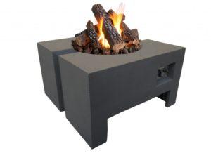 Prachtig model gashaard. Deze terrasverwarmer heeft 2 functies. Het wordt gebruikt als salontafel en het heeft een functie als gashaard. Het frame is hitte bestendig. Deze buitenhaard heeft een opslagruimte voor de gasfles. De gasfles kan dus onder de haard geplaatst worden. Deze haard wordt aangeboden inclusief drukregelaar, beschermhoes, keramische haardblokken en lava stenen. Dit model is speciaal ontwikkeld voor buiten. De tuinhaard heeft een brander met een vermogen van 15 Kw. Meer dan genoeg dus om u even lekker aan op te warmen. Dit model is goed vast te pakken door de opening aan de onderzijde. Makkelijk dus om dit model even op te pakken en te verplaatsen.
