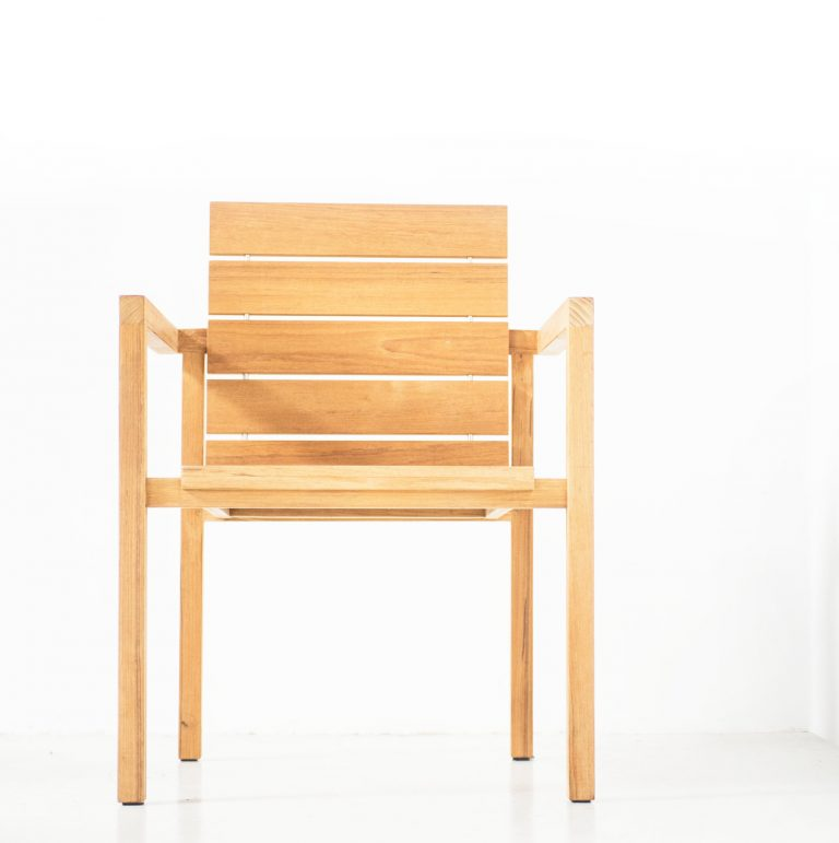 Traditional teak Maxima-stacking-chair