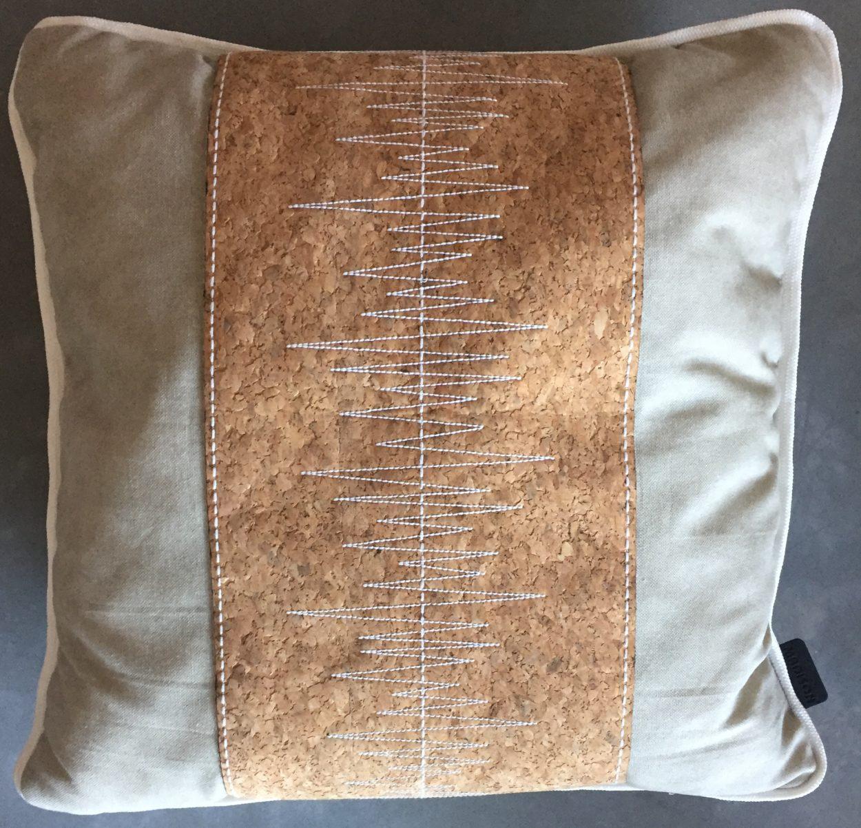 Madison Sierkussen 50x50 cm Cork Stripe