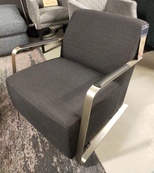 Zuiver Adwin fauteuil zwart showroommodel