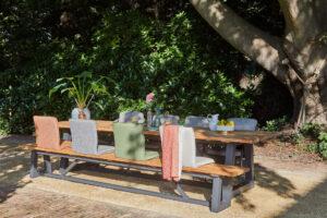Handige losse zitting in trendy kleuren en hoogwaardige buitenstof voor extra zitcomfort.